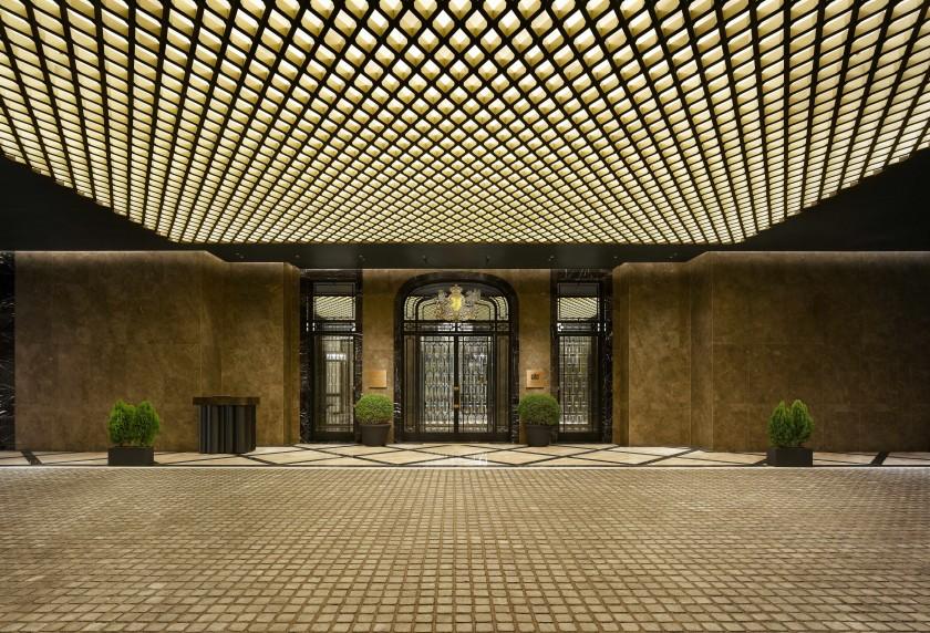 Palace Gate 1.jpg